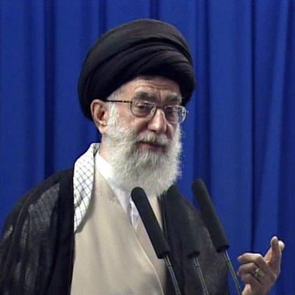 El líder supremo de Irán, el ayatolá Alí Jamenei, es operado con éxito de la próstata