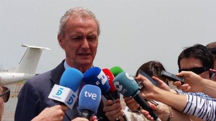 """Morenés dice que Rusia ha violado la ley flagrantemente y que """"con quien avanza con las armas es muy difícil dialogar"""""""