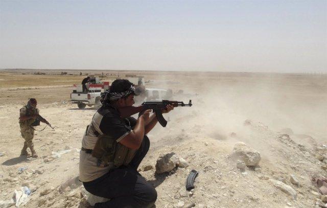 Un iraquí combate en Haditha, Irak, a Estado Islamico