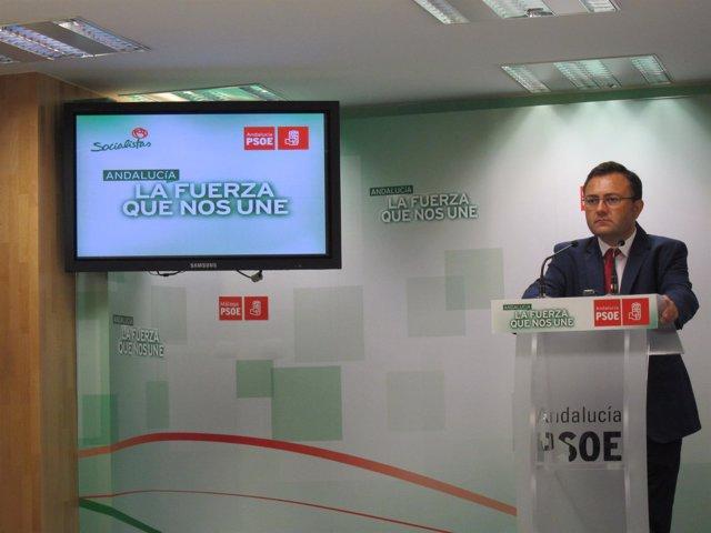 Miguel Ángel Heredia en la Sede del PSOE Málaga