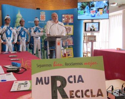 Más de 200 personas trabajarán cada día para mantener limpia la ciudad de Murcia durante la Feria de Septiembre