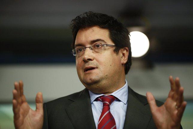 Oscar López en la sede del PSOE en Ferraz