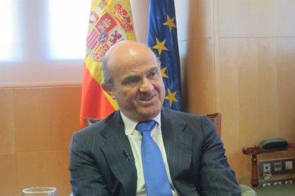 Economía.- Guindos avisa que los próximos trimestres serán delicados, pero España mantendrá su velocidad de crucero
