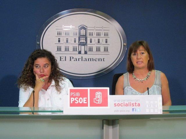Pilar Costa y Francina Armengol en rueda de prensa