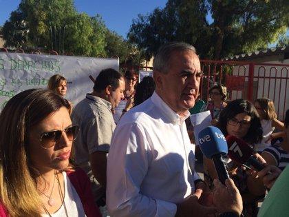 """PSOE asegura que el próximo curso, mi Gobierno estará del lado de la comunidad educativa, no enfrente como el PP"""""""