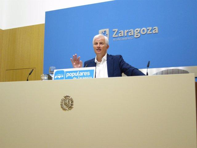 El portavoz del PP en el Ayuntamiento de Zaragoza, Eloy Suárez