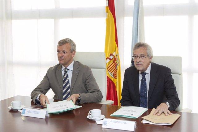 O vicepresidente da Xunta, Alfonso Rueda, e o presidente do TSXG, Miguel Ángel C