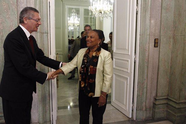 Alberto Ruiz-Gallardón, se reúne con su homóloga francesa, Christiane Taubira