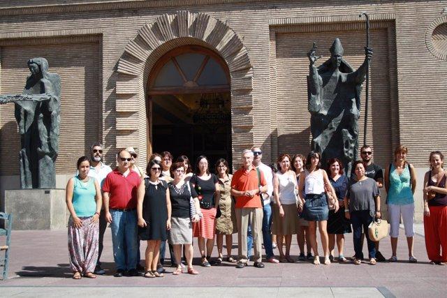Miembros de la FAS concentrados frente al Ayuntamiento