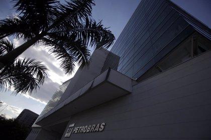 Inversores venden acciones de Petrobras tras denuncias de sobornos