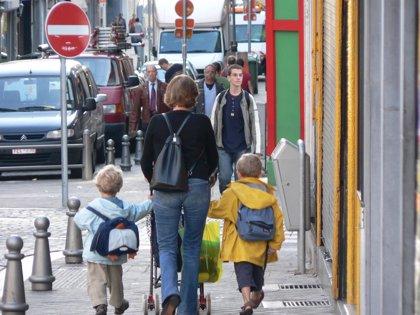 Aumentan un 20% las consultas en pediatría por dolor de espalda en la Marina Baixa al inicio del curso escolar