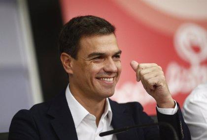Sánchez se estrena en el Congreso reuniéndose con todos sus parlamentarios antes de preguntar a Rajoy