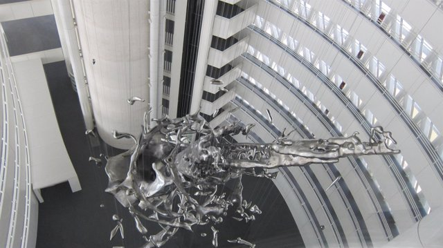 La escultura Splash, en el Pabellón Puente de Zaragoza