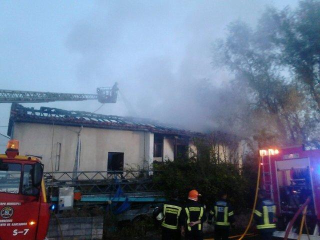 Incendio de una vivienda en Escalante