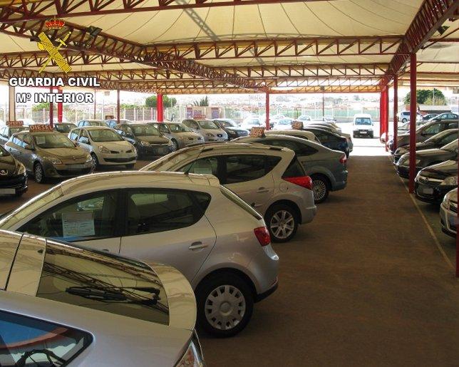 Desaticulada una organización que vendía coches con cuentakilómetros manipulados
