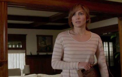 Jennifer López se acuesta con un adolescente en el tráiler de The Boy Next Door