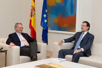 Rajoy recibe al presidente de Google para hablar de seguridad en Internet y de la importancia de la innovación
