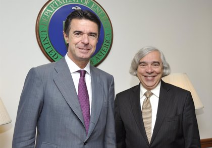 Economía/Energía.- Soria aborda con su homólogo estadounidense la compra de gas esquisto y las inversiones en renovables