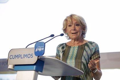 """Aguirre dice que será """"el dedo de Rajoy"""" el que decida el sustituto de Botella como en el pasado hizo Aznar"""