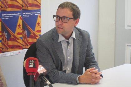 """El Diplocat lamenta """"presiones constantes"""" de las embajadas españolas"""
