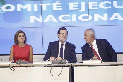 """Rajoy alaba el trabajo de Botella y dice que el anuncio de que se va no acelera la sucesión: """"No supone ningún cambio"""""""