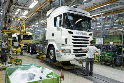Las ventas de camiones y autobuses suben un 5,5% en agosto