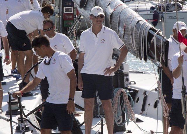 Felipe VI navegó por primera vez en Mallorca como Rey de España