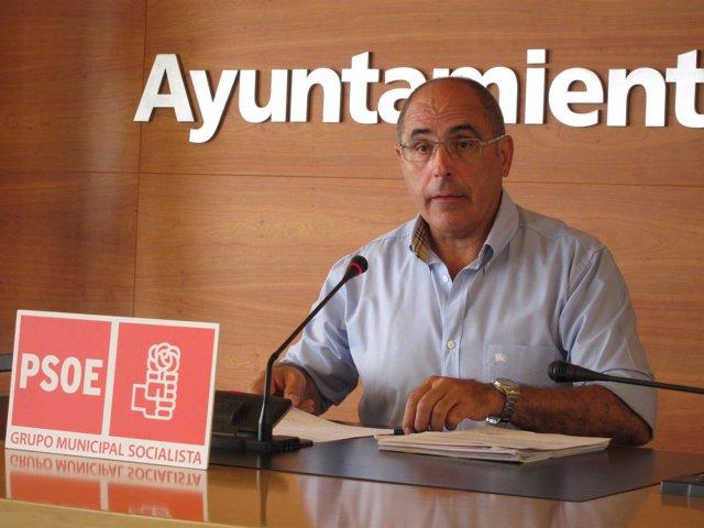 El portavoz del PSOE en Calahorra, Domingo Dorado, analiza ordenanza Buen Gobier