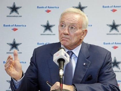 Una ex bailarina demanda al presidente del equipo de los 'Cowboys' de Dallas por asalto sexual