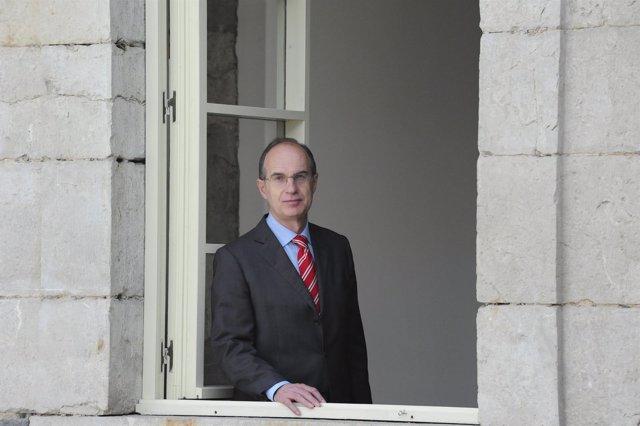 Presidente del Parlamento de Cantabria, José Antonio Cagigas