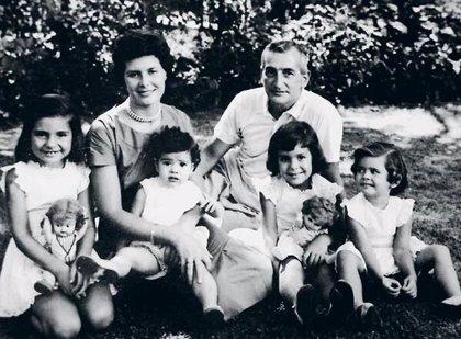 Fernando A. Oesterheld narra en verso el asesinato de su padre