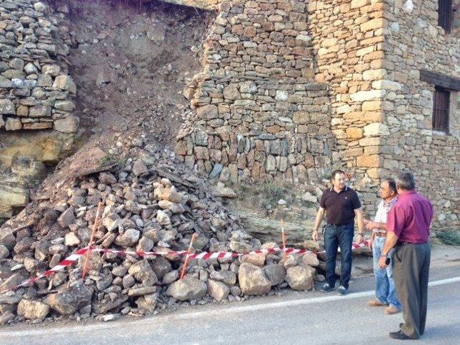 Muro derruido en Allepuz por las tormentas