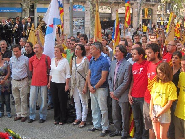 Ofrenda de ERC ante el monumento a Casanova