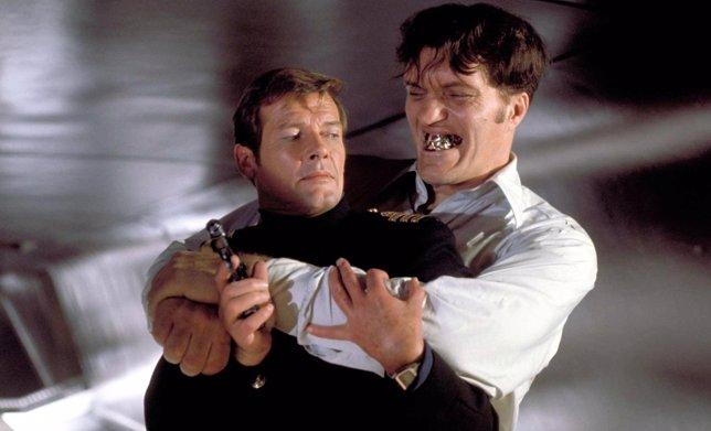 Richard Kiel en James Bond