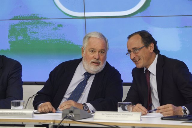 Arias Cañete y Alfonso Alonso