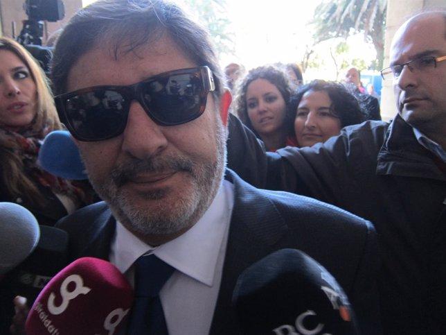 Guerrero Atiende A Los Medios A Su Llegada A Los Juzgados