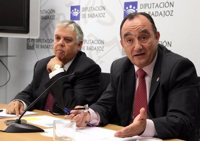 El presidente de la Diputación de Badajoz, Valentín Cortés, respondió hoy a los
