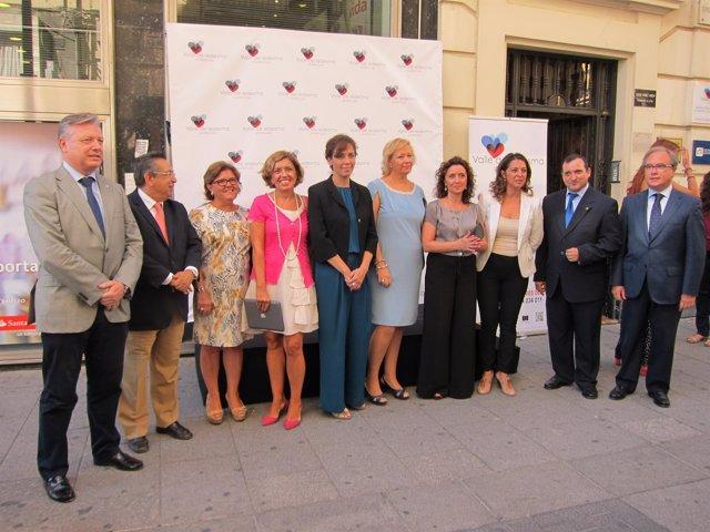 Autoridades y responsables de Valle de Ledesma en la inauguración