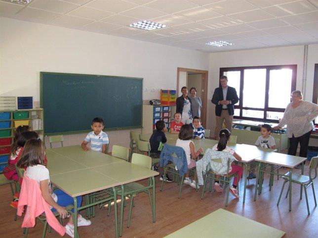 Visia a las aulas del colegio de San Blas