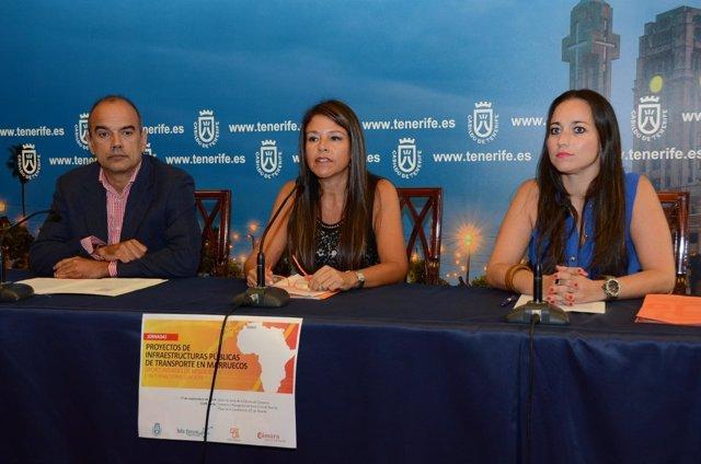 Delia Herrrera en la presentación de las Jornadas sobre el transporte