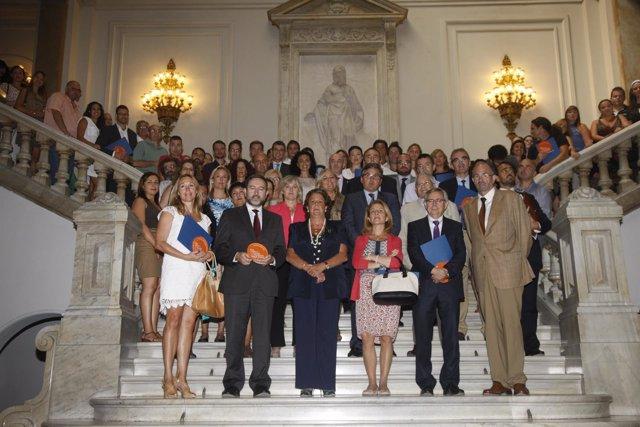 Barberá con las entidades adheridas al Plan Joven de la Ciudad de Valencia.