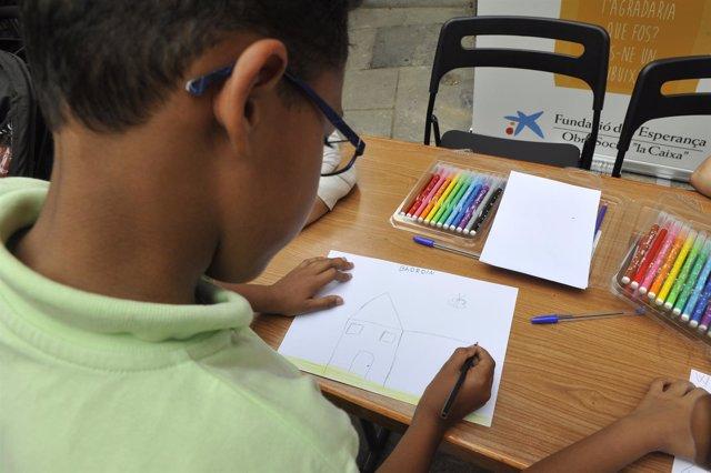 Imagen de Obra Social La Caixa sobre ayudas material escolar.