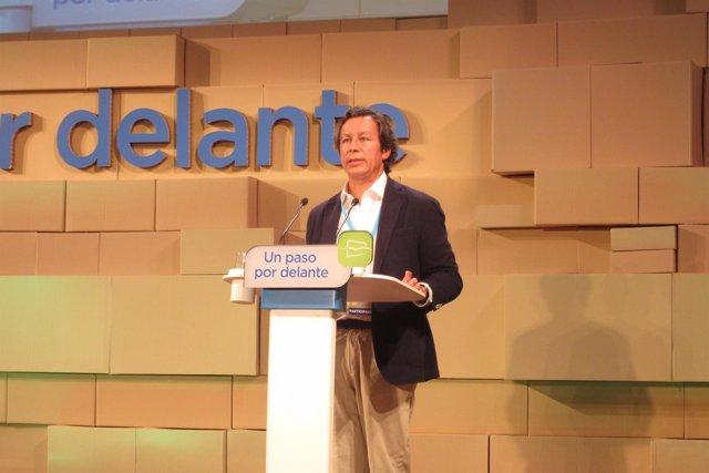 Carlos Floriano en el foro de NNGG en Valencia