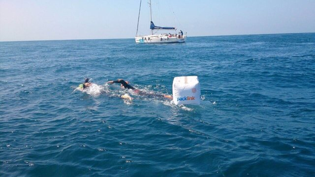 Los fundadores de PackLink culminan con éxito su travesía en el Estrecho