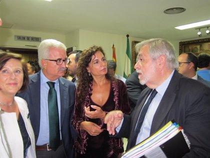 El Gobierno y la Junta de Andalucía firman el traspaso definitivo del Hospital de San Carlos de San Fernando (Cádiz)
