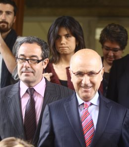 Pere Macias Y Josep Antoni Duran, Junto Con Dos Diputadas De Ciu