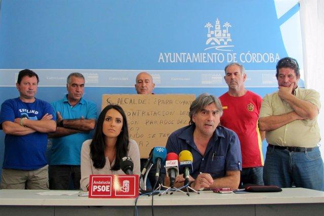 Carmen González con miembros de Stop al Paro
