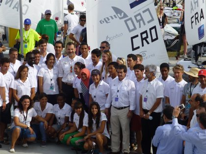 El Rey visita los campos de regatas del Mundial de Vela de Santander