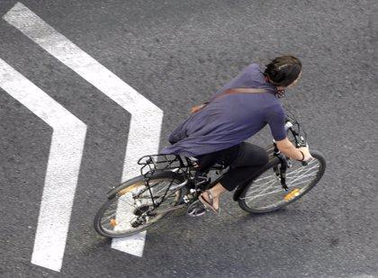 Ir andando o en bicicleta al trabajo, bueno para la salud mental
