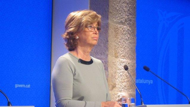 La consellera de Enseñanza, Irene Rigau, en rueda de prensa